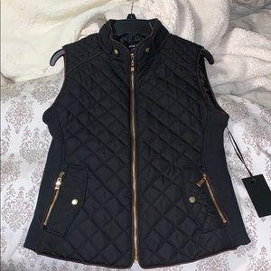 Active USA medium black vest